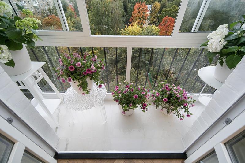 Дизайн цветущих застекленных лоджий. - балконные блоки - кат.