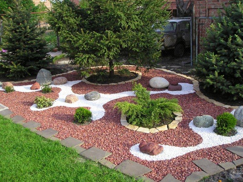 окрестностях камни крашаные для сада расположился